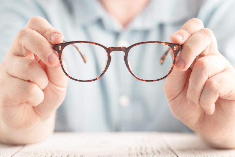 04fa1cf22a4ab Exames de vista  quais e quando fazer  - Óticas Shalon